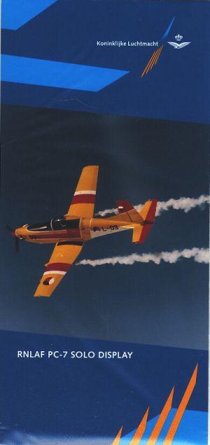 Image not found :RNLAF PC-7 Solo Display (1994) (L-03 van boven met rook)